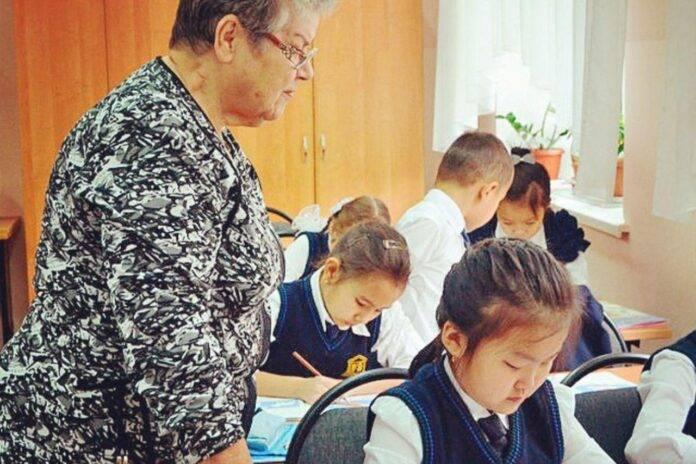 Школьную форму «отменили» на период карантина в Казахстане
